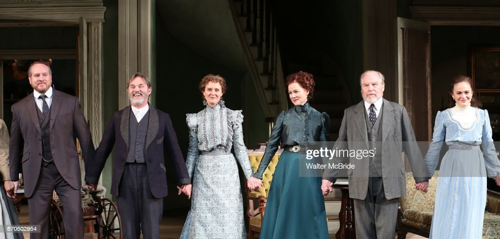 """""""The Little Foxes"""" Opening Night - Arrivals & Curtain Call : News Photo"""