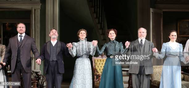 Darren Goldstein Richard Thomas Cynthia Nixon Laura Linney Michael McKean and Francesca Carpanini during the Broadway Opening Night Curtain Call bows...