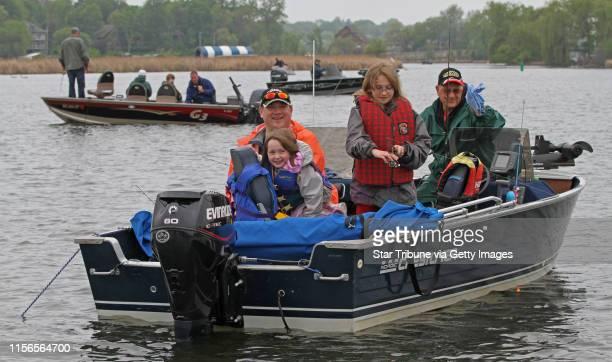 Darren Heimbuch Mary Heimbuch age6 Katherin Heimbuch age9 and Barry Heimbuch from Debuque IA fished in Seaton Lake/Lake Minnetonka in the Minnesota...
