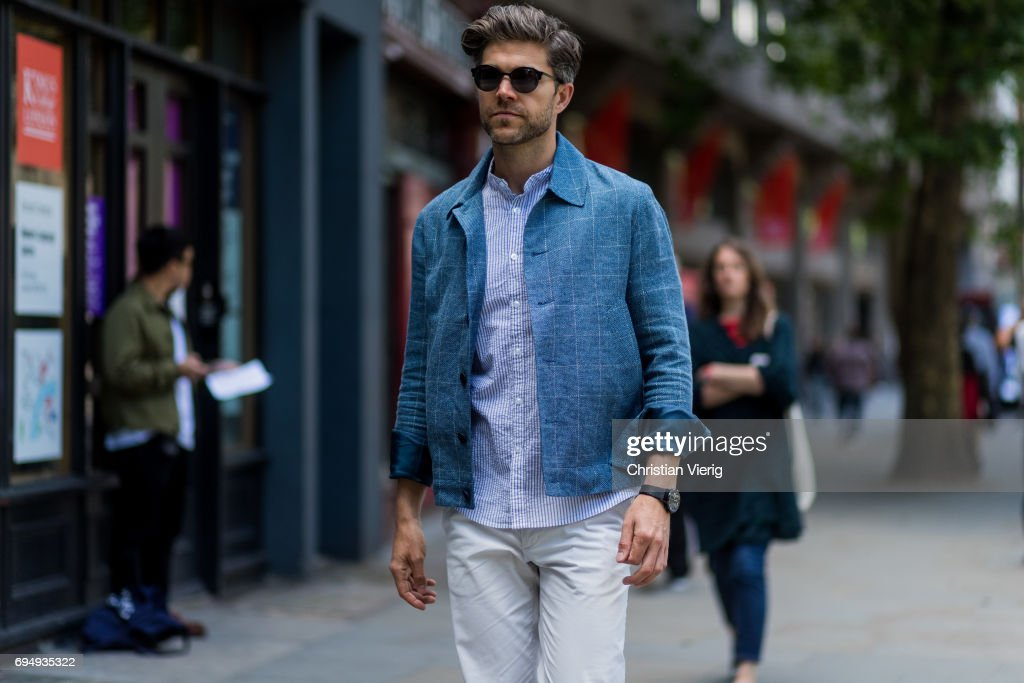 Street Style: Day 3 - LFWM June 2017 : News Photo