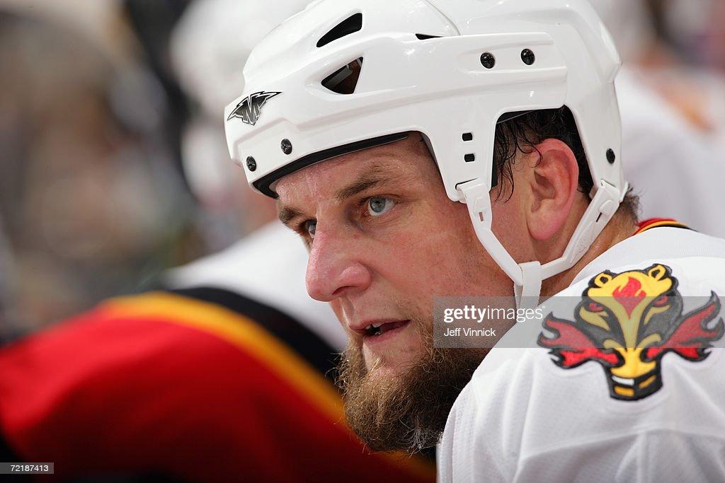 Calgary Flames v Vancouver Canucks : News Photo