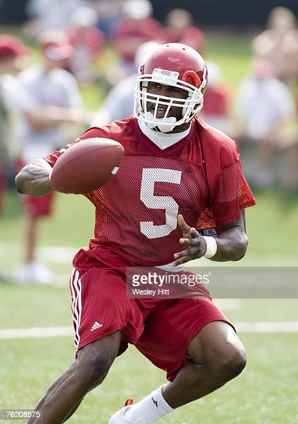 Darren McFadden of the Arkansas Razorbacks makes a pitch out during the Red White practice game at Donald W Reynolds Stadium on August 18 2007 in...
