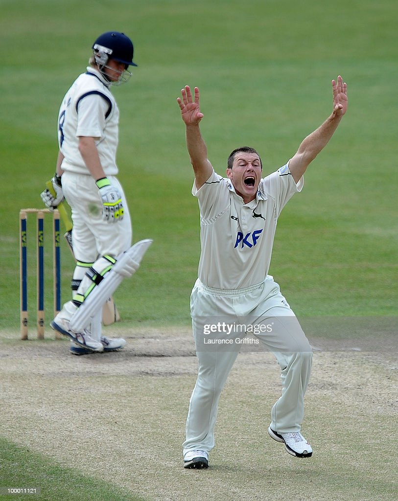Darren Pattinson of Nottinghamshire puts in an appeal against Liam Dawson of Hampshire during the LV County Championship match between Nottinghamshire and Hampshire at Trent Bridge on May 20, 2010 in Nottingham, England.