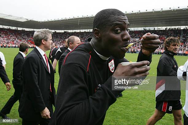 Darren Powell of Southampton celebrates with a bowl of fruit during the CocaCola Championship match between Southampton and Sheffield United at St...