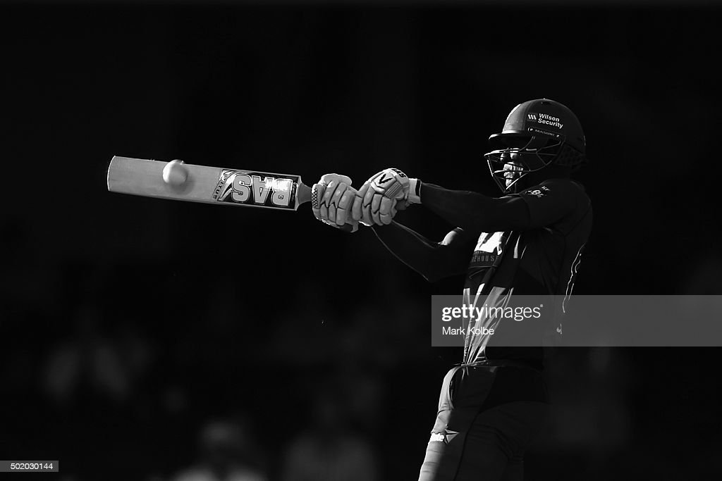 Darren Sammy of the Hurricanes bats during the Big Bash League match between the Sydney Sixers and the Hobart Hurricanes at Sydney Cricket Ground on December 20, 2015 in Sydney, Australia.