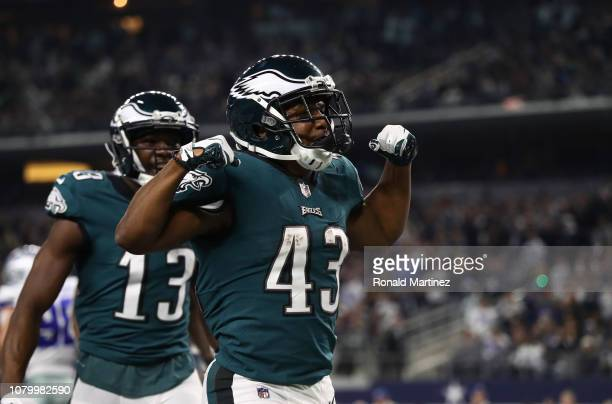 Darren Sproles of the Philadelphia Eagles celebrates his touchdown against the Dallas Cowboys in the fourth quarter at ATT Stadium on December 09...