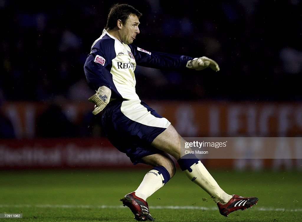 Darren Ward of Sunderland in action during the Coca Cola Championship match between Leicester City and Sunderland at the Walkers Stadium on January 1, 2007, in Leicester, England