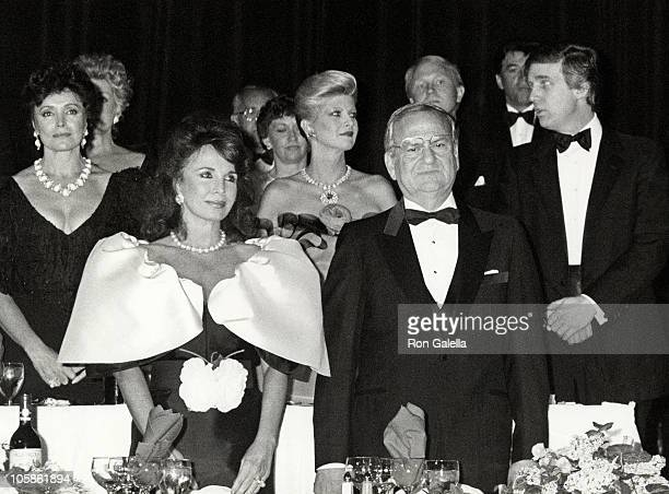 Darrien Earle Lee Iococca Ivana Trump Donald Trump Joanna Carson and Johnny Carson