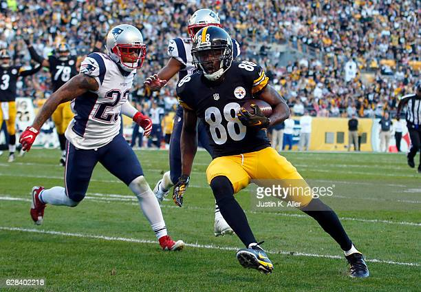 Darrius HeywardBey of the Pittsburgh Steelers in action against the New England Patriots at Heinz Field on October 23 2016 in Pittsburgh Pennsylvania