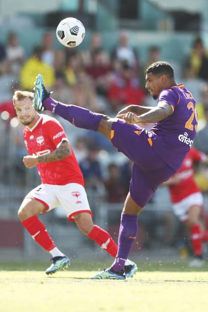 AUS: A-League - Wellington Phoenix v Perth Glory