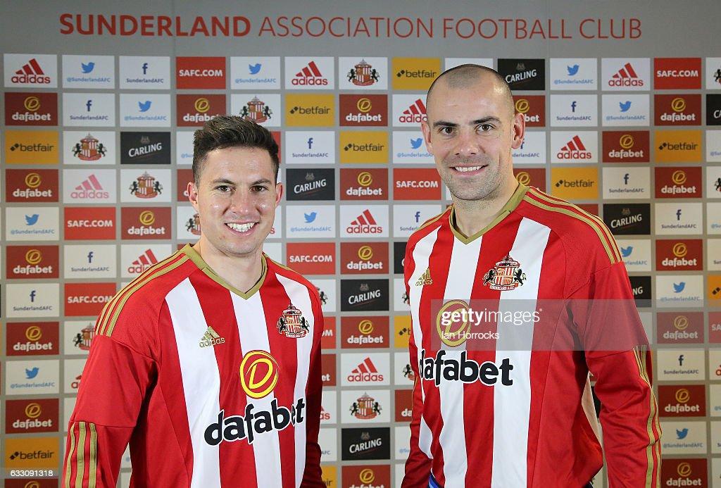 Sunderland Unveil New Signings Darron Gibson and Bryan Oviedo : News Photo