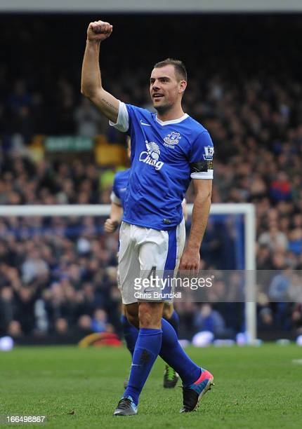 Darron Gibson of Everton celebrates scoring the opening goal during the Barclays Premier League match between Everton and Queens Park Rangers at...