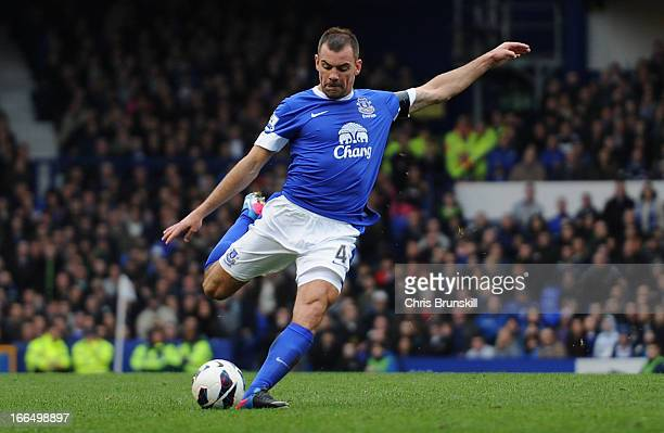 Darron Gibson of Everton scores the opening goal during the Barclays Premier League match between Everton and Queens Park Rangers at Goodison Park on...