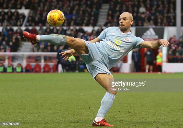 Darron Gibson of Sunderland controls the ball during the Sky Bet Championship match between Nottingham Forest and Sunderland at City Ground on...