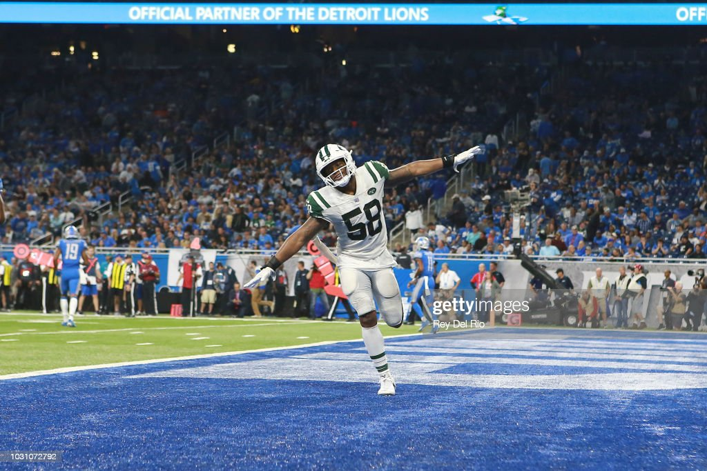 Darron Lee #58 of the New York Jets celebrates a play in the second half against the Detroit Lions at Ford Field on September 10, 2018 in Detroit, Michigan.