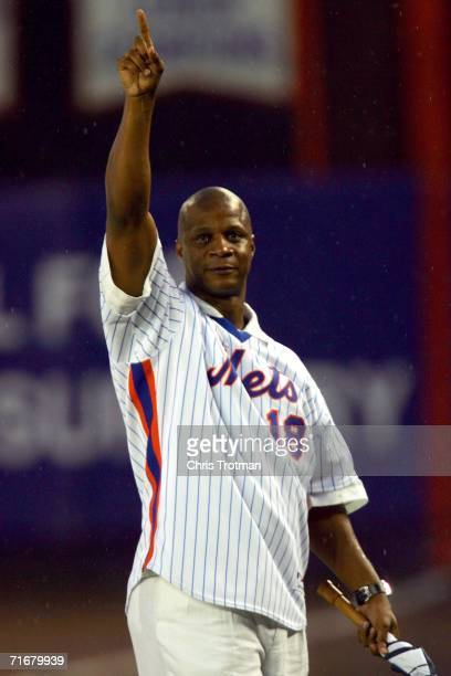 Darryl Strawberry a member of the 1986 New York Mets greets fans during a tribute to mark the 20th Anniversary of their World Series win before the...