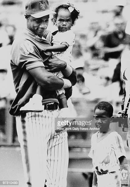 Darryl Strawberry of the New York Mets with son Darryl Jr aka DJ and daughter Diamond