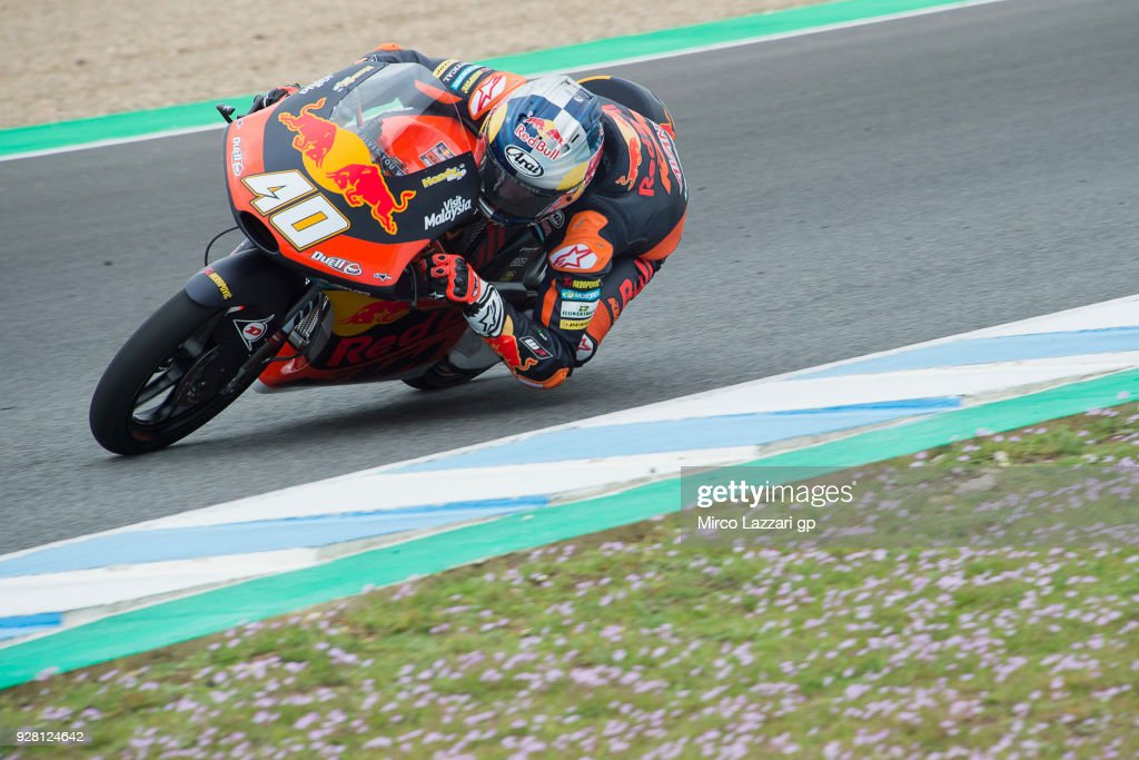 Darryn Binder of South Africa and Red Bull Team Ajo KTM rounds the bend during the Moto2 & Moto3 Tests In Jerez at Circuito de Jerez on March 6, 2018 in Jerez de la Frontera, Spain.