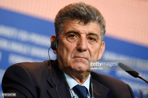 Darsteller Pietro Bartolo während der Pressekonferenz zum Film FIRE AT SEA anlässlich der 66 Internationalen Filmfestspiele Berlin