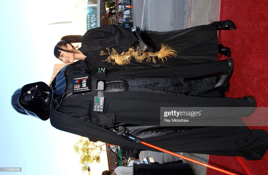 Darth Vader and Bai Ling during u0027Star Wars Episode III Revenge of The Sithu0027  sc 1 st  Getty Images & Photos et images de