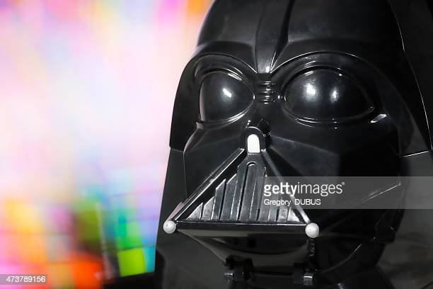 darth vader head portrait toy from star wars saga movie - famous people stock photos and pictures