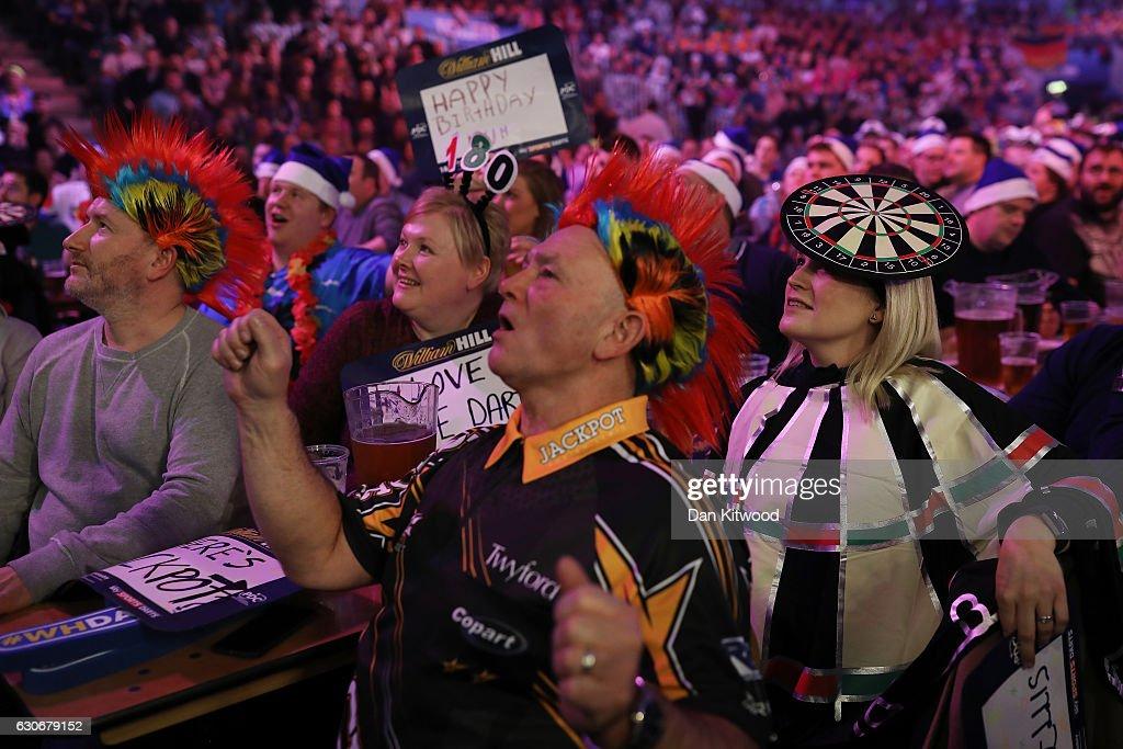 Competitors And Spectators Enjoy The World's Biggest Darts Tournament : News Photo