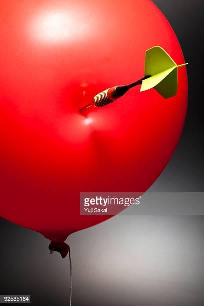 darts on balloon