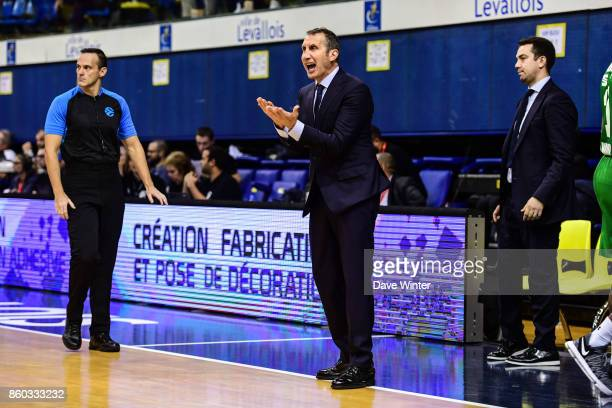 Darussafaka Dogus Istabul head coach David Blatt during the EuropCup match between Levallois Metropolitans and Darussafaka Istanbul at Salle Marcel...
