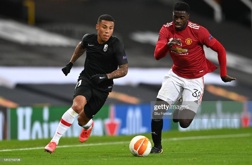 Manchester United v Granada CF - UEFA Europa League Quarter Final: Leg Two : ニュース写真