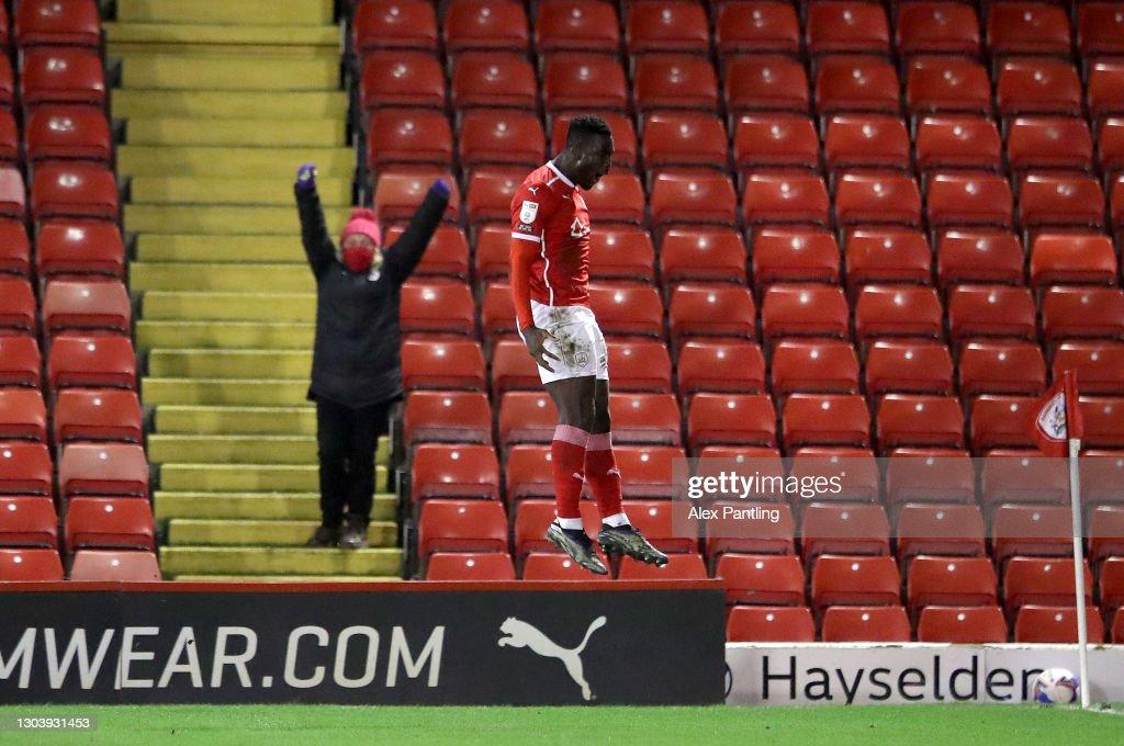 Barnsley v Stoke City - Sky Bet Championship : News Photo