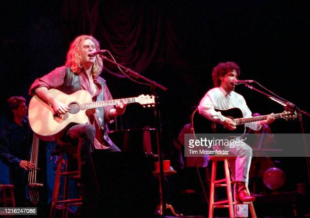 Daryl Hall and John Oates of Hall & Oates perform at the San Jose State Event center on March 24, 1991 in San Jose, California.