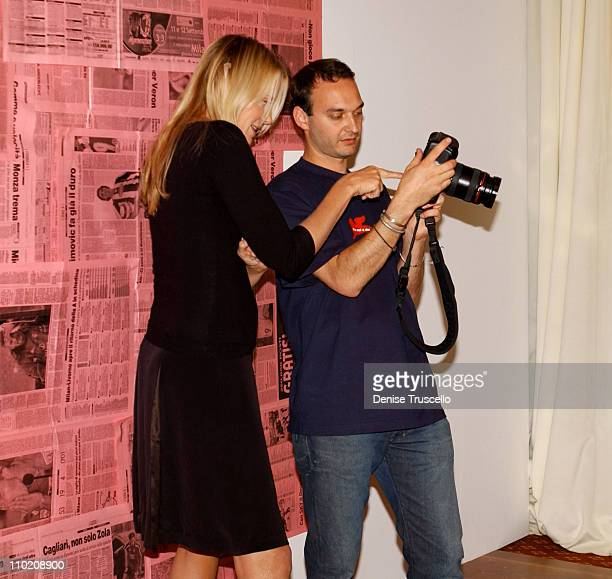 Daryl Hannah and Jeff Vespa during 2004 Toronto International Film Festival HP Portrait Studio Presented By WireImage and Kontent Publishing Day 3 at...