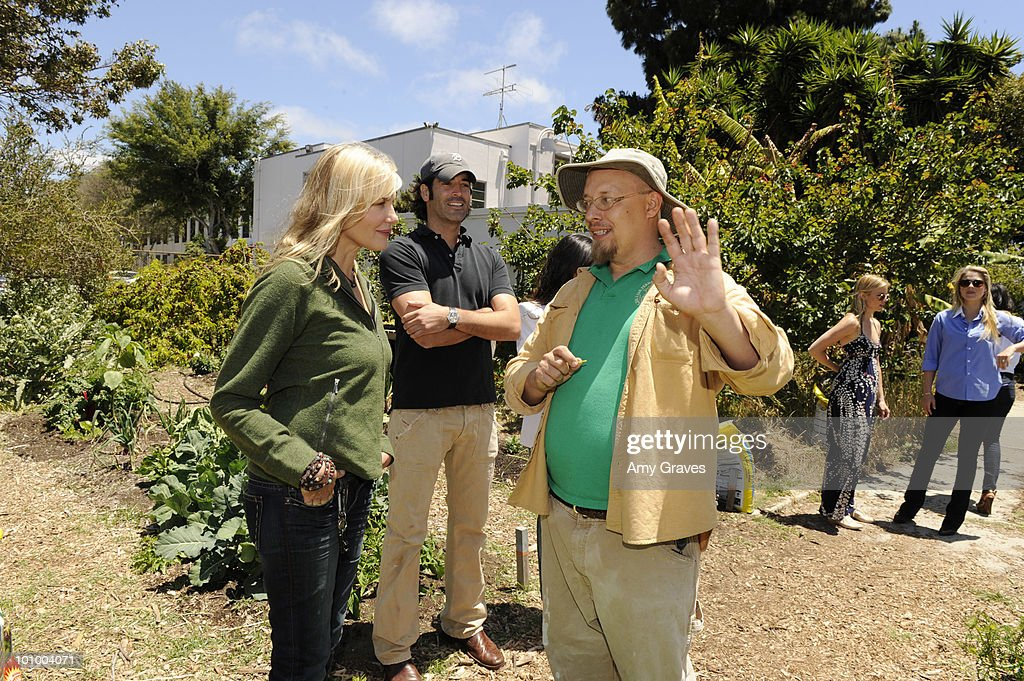 Daryl Hannah, Carter Oosterhouse and Mud Baron attend the Environmental Media Association and Yes to Carrots Garden Luncheon at The Learning Garden at Venice High School on May 26, 2010 in Venice, California.