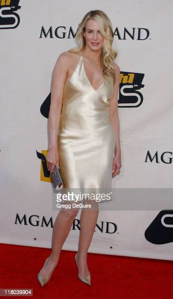 Daryl Hannah during 2004 VH1 Divas Benefitting The Save The Music Foundation Arrivals at MGM Grand Hotel in Las Vegas Nevada United States