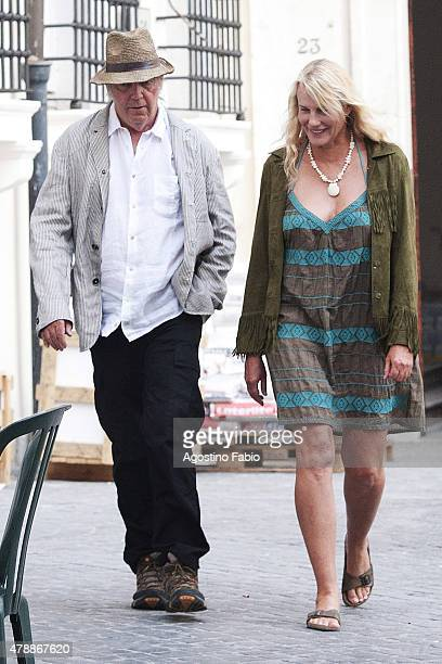 Daryl Hannah is spotted with the new boyfriend the famous singer Neil Young going for a romantic walk in Rome and stopping in a restaurant for dinner...