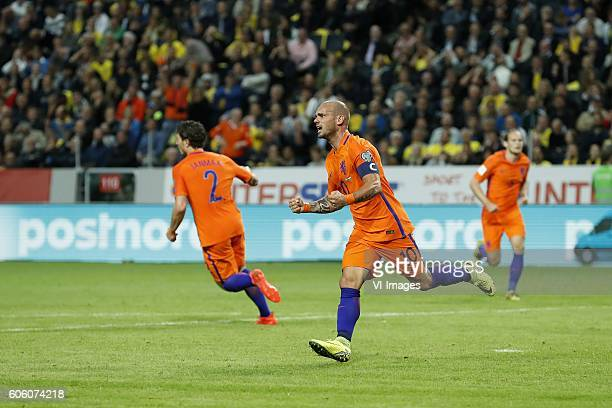 Daryl Janmaat of Holland Wesley Sneijder of Holland Daley Blind of Holland during the FIFA World Cup 2018 qualifying match between Sweden and...