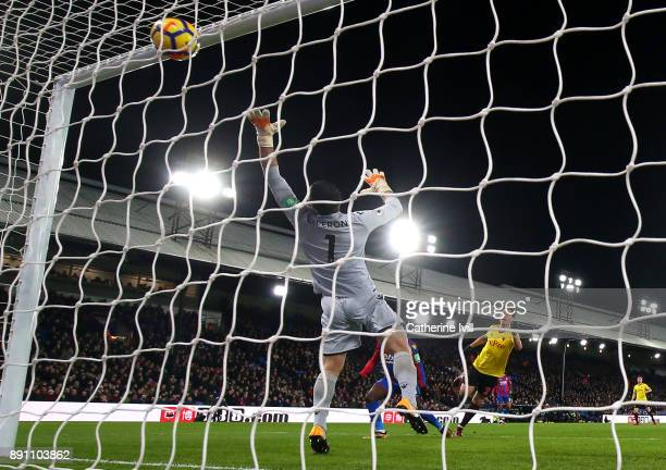 Daryl Janmaat of Watford scores his sides first goal during the Premier League match between Crystal Palace and Watford at Selhurst Park on December...