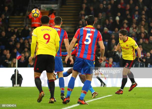Daryl Janmaat of Watford scores the first Watford goal during the Premier League match between Crystal Palace and Watford at Selhurst Park on...