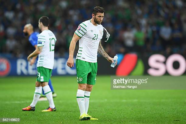 Daryl Murphy of Republic of Ireland spits water during the UEFA EURO 2016 Group E match between Italy and Republic of Ireland at Stade PierreMauroy...