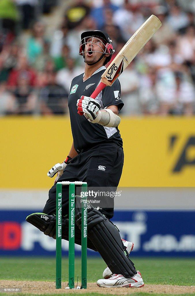 New Zealand v Australia - 4th ODI