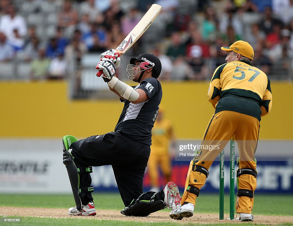 New Zealand v Australia - 4th ODI