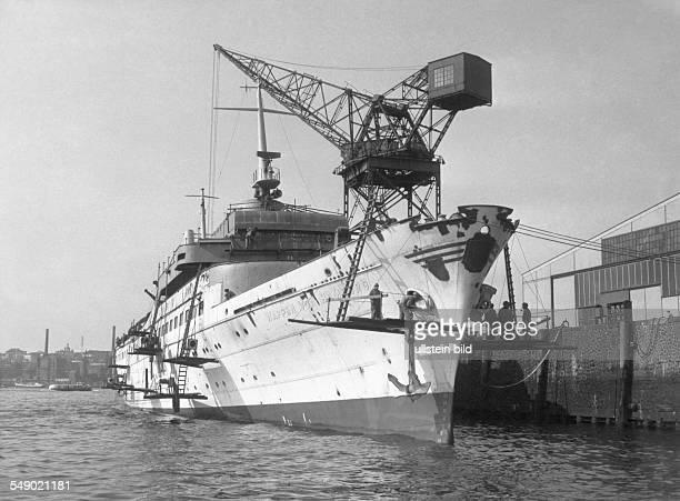 das 2 Seebäderschiff Wappen von Hamburg im Ausrüstungskai von Blohm und Voss später in Alte Liebe umbenannt