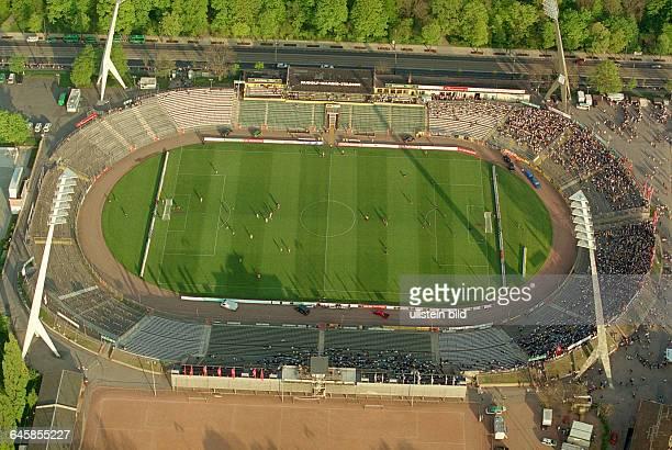 Das alte Rudolf - Harbig - Stadion in Dresden, Spielstaette der SG Dynamo Dresden, aufgenommen am aus der Luft.