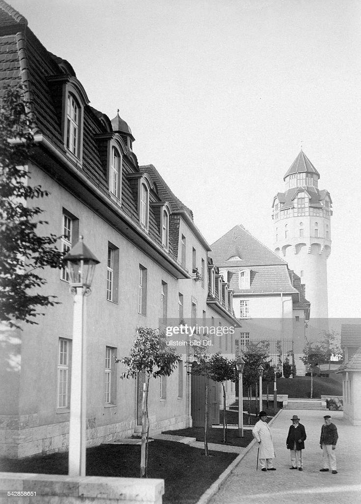 Alte-Leute-Heim in Berlin-Buch, um 1909 : News Photo