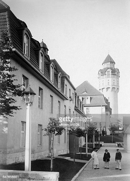 Das AlteLeuteHeim Buch Anstalt für Hospitaliten erbaut 1905 bis 1909 von Architekt Ludwig Hoffmann Wohngebäude und Wasserturm undatiert vermutlich...