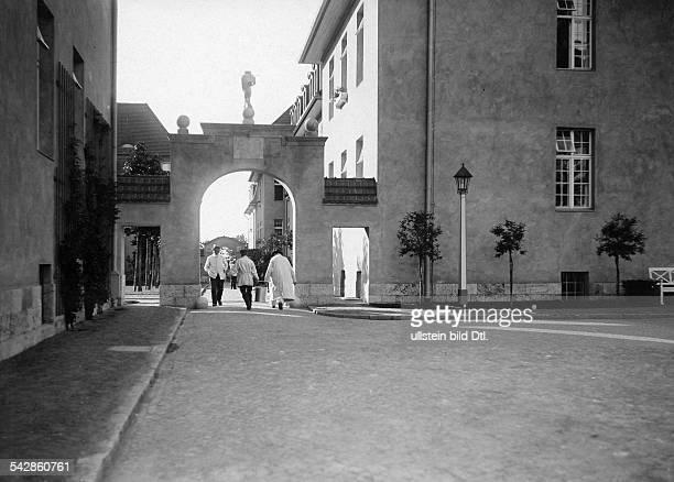 Das AlteLeuteHeim Buch Anstalt für Hospitaliten erbaut 1905 bis 1909 von Architekt Ludwig Hoffmann Außenansicht undatiert vermutlich 1909Foto Conrad...