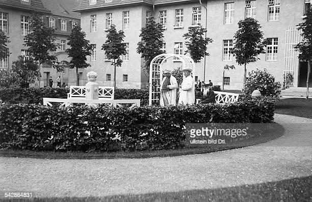 Das AlteLeuteHeim Buch Anstalt für Hospitaliten erbaut 1905 bis 1909 von Architekt Ludwig Hoffmann Die Wohngebäude sind um vier zentrale Grünflächen...