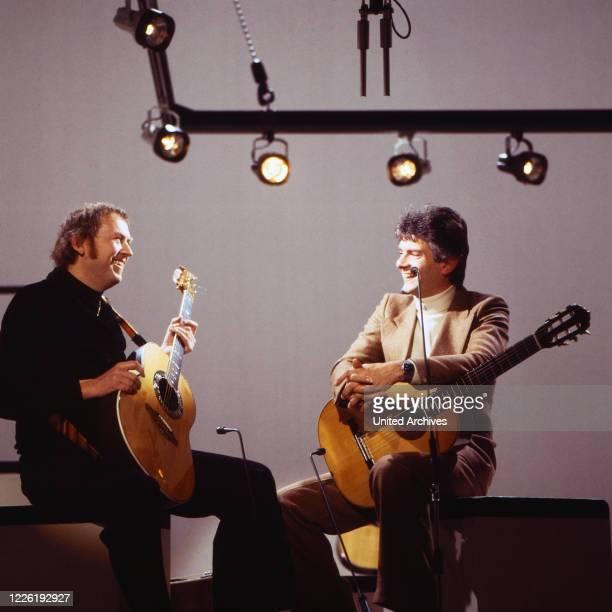 Das Duo Guitarissimo, Auftritt in der ARD-Sendung: Cafe in Takt, 1980 - Peter Horton, auch Peter Horten , Sänger, Gitarrist, Komponist - Hier mit...