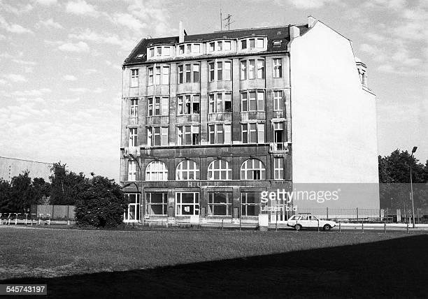 Das ehemalige 'Weinhaus Huth'am Potsdamer Platz Juni 1988