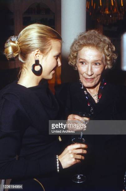 Das Erbe der Guldenburgs Fernsehserie Deutschland 1986 1988 Darsteller Katharina Böhm Brigitte Horney